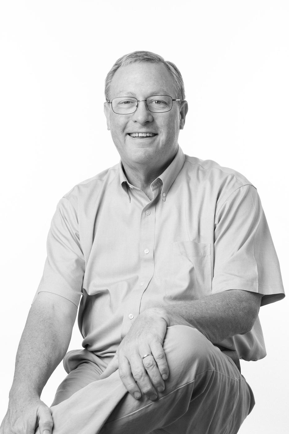 Bob Shoulders headshot