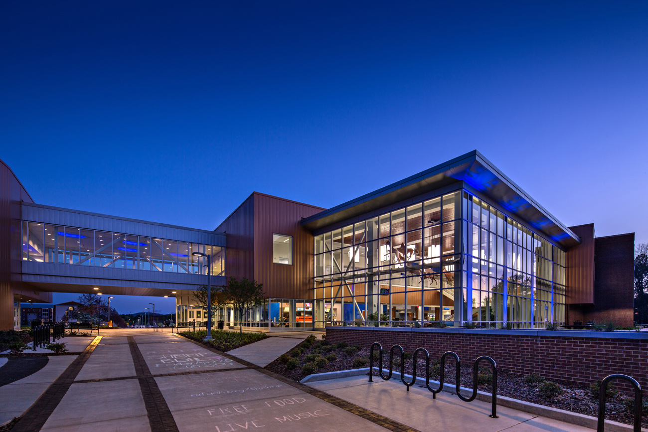 TURNERBATSON Architects Higher Education Architecture -UAH Charger Student Union14